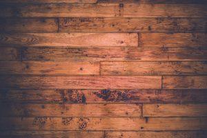 Jak układać płytki drewnopodobne?