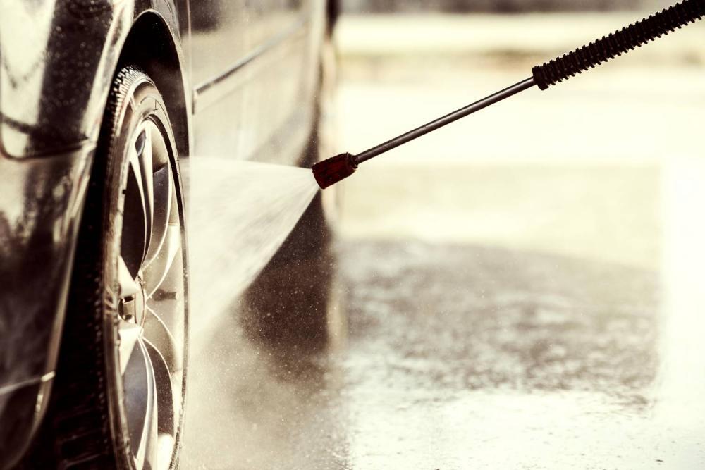 Ile kosztuje samoobsługowa myjnia samochodowa